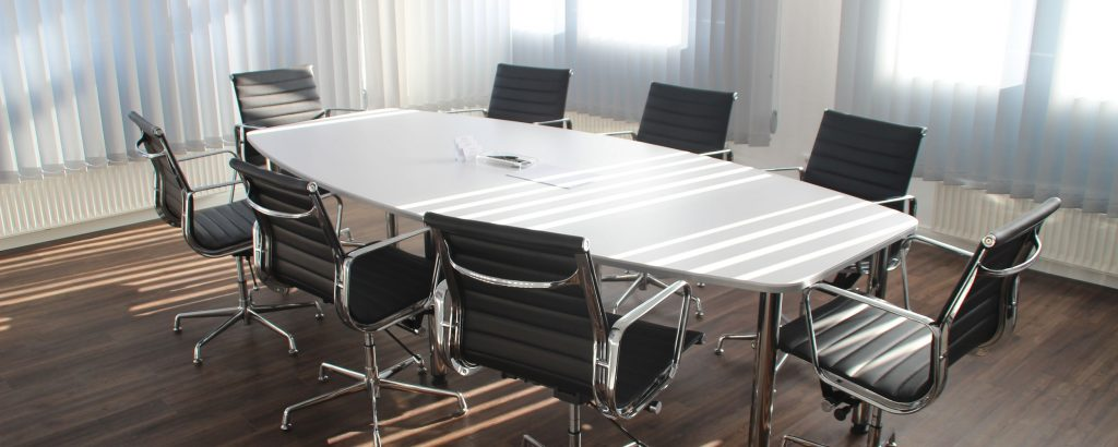 Comment louer un bureau ou une salle de réunion à la journée ?