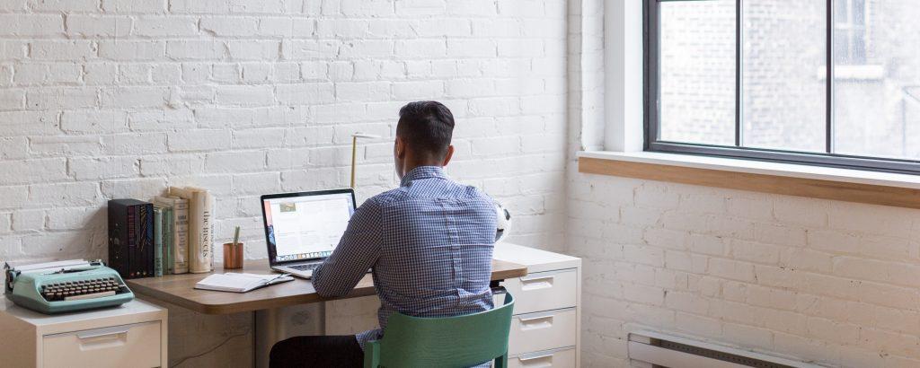 Auto-entrepreneur ou EURL : Quel statut choisir ?
