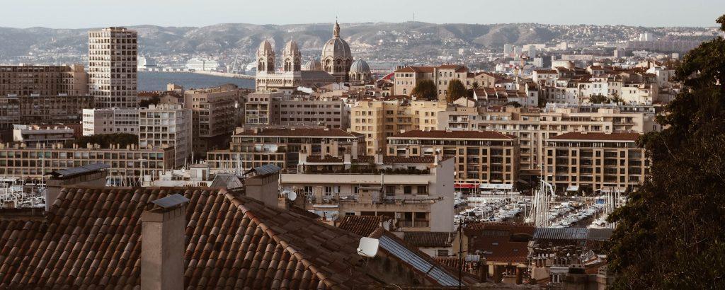 Pourquoi et comment domicilier son entreprise à Marseille ?