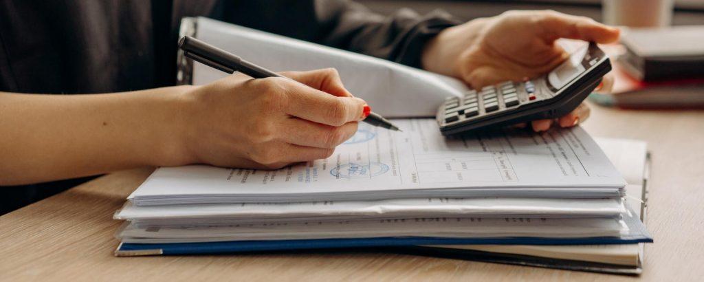 Peut-on faire la comptabilité soi-même ?